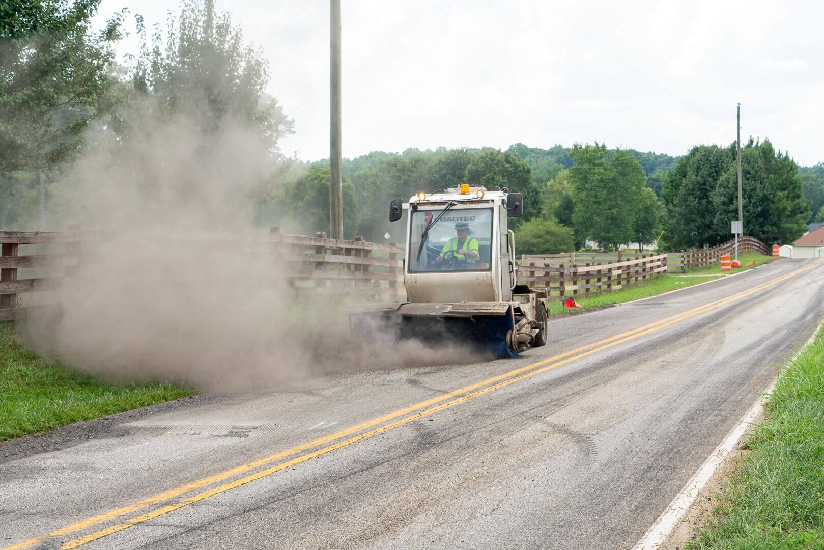 Roadtec FB-100 Asphalt Broom