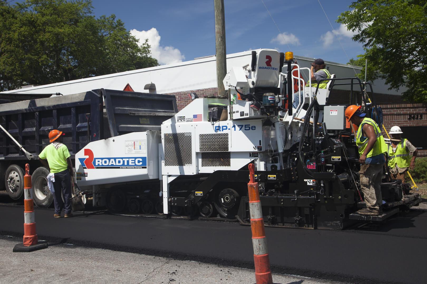 Roadtec RP-175 Highway Class Asphalt Paver