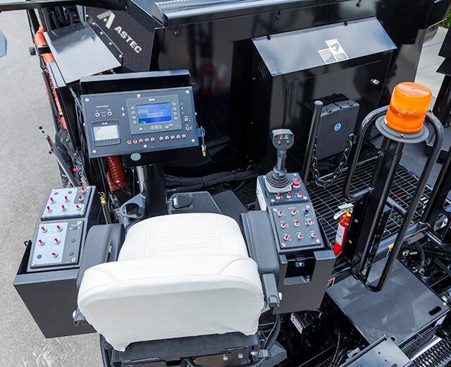 Roadtec SP-200 Spray Paver Operator Station